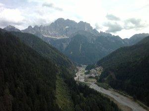 """vista della parete nord del Civetta dalla località """"vara dei barcon"""""""